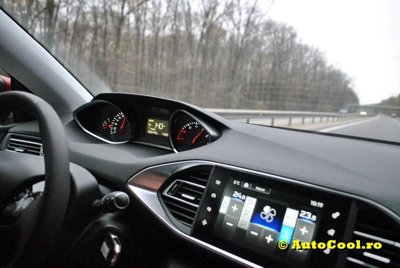 Noul Peugeot 308, de la 10.900 € + TVA