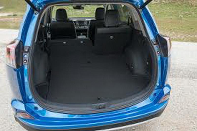 Toyota-RAV4-Hybrid_5